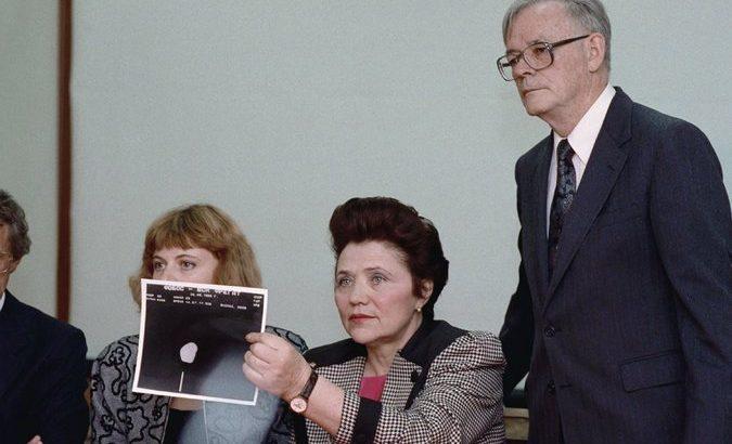 Marina Popovich durante la conferenza stampa del 1991 a San Francisco